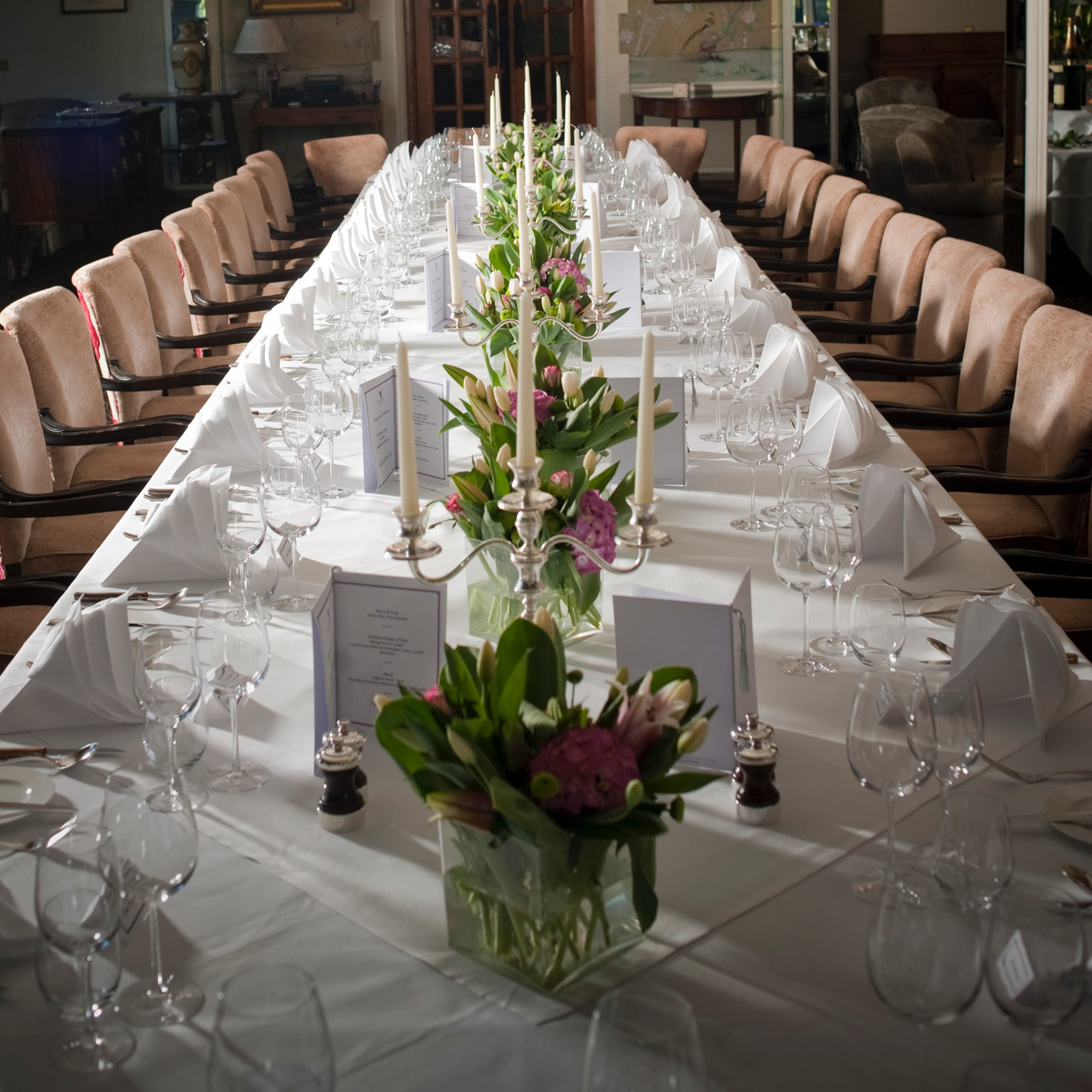 Event dining table